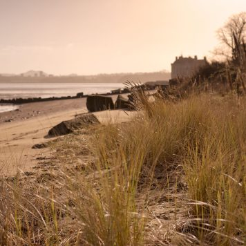 Along the shore to Barnbougle Castle